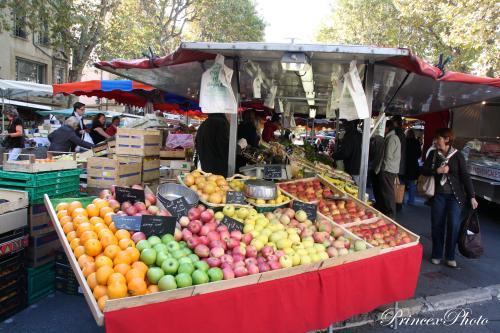 På marknad i Aix-en-Provence